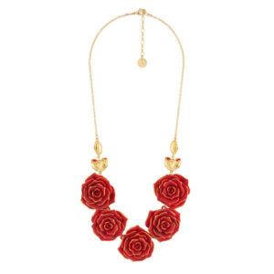 collar-necklace-with-an-array-of-red-roses